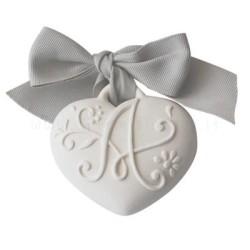 decorazione in gesso profumato a forma di cuore con monogramma della lettera A - ideale da appendere - Mathilde M