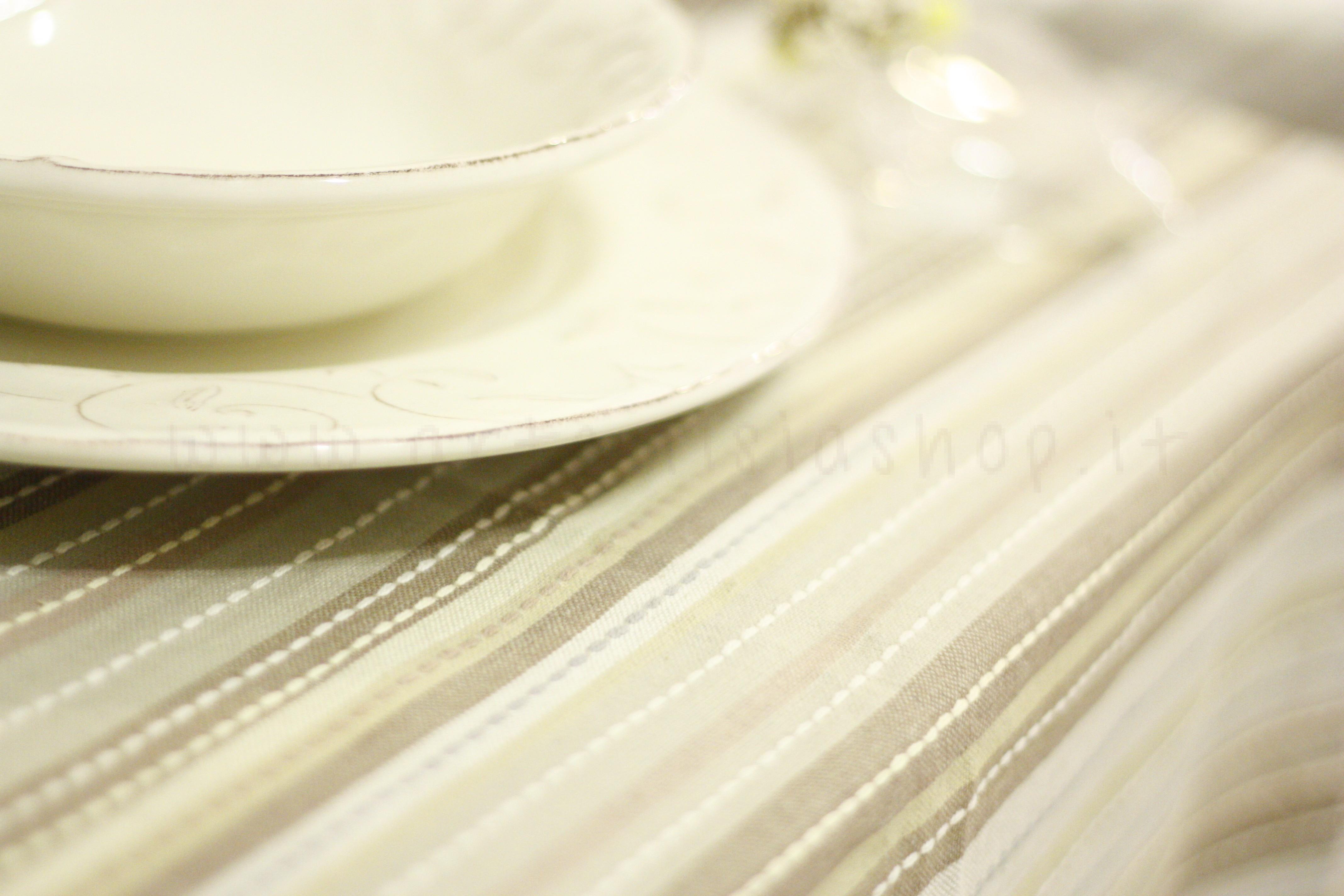 Tovaglia in cotone tinto in filo rigato marrone beige artemisia