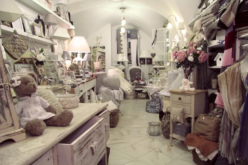 foto negozio artemisia laigueglia