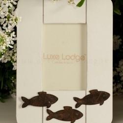 cornice bianca marina con pesci in metallo brunito - 9 x 13