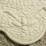 dettaglio tappeto bagno boutis grigio antico