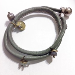 bracciale-pelle-pietre-dure-2-giri-grigio-bohemian-boho