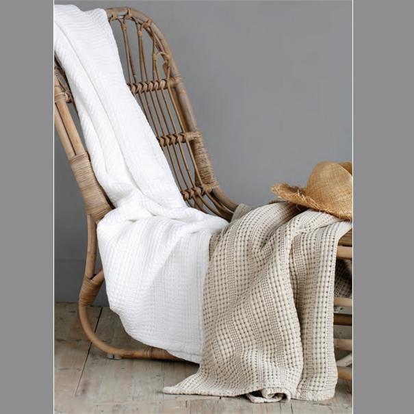 copriletto nido d 39 ape 240x260 bianco artemisia. Black Bedroom Furniture Sets. Home Design Ideas