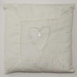 cuscino-cuore-traforato-bianco-40x40-01
