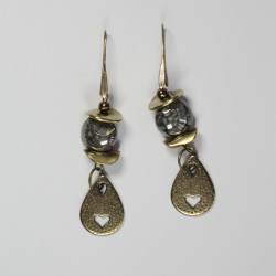 orecchini-metallo-pendenti-pietredure-cuore