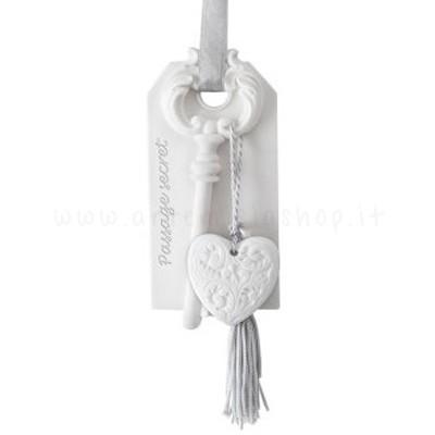 decorazione in gesso profumato a forma di chivi con cuore - ideale da appendere - Mathilde M