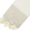 Telo mare FOUTA con linee bianche su tutta la lunghezza a tessitura classica: piatta e leggerissima. Colore beige