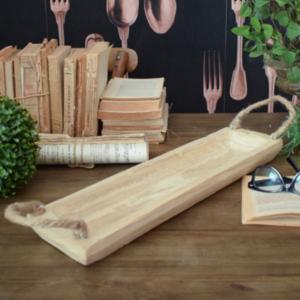 vassoio rettangolare in legno lungo e stretto con manici in corda